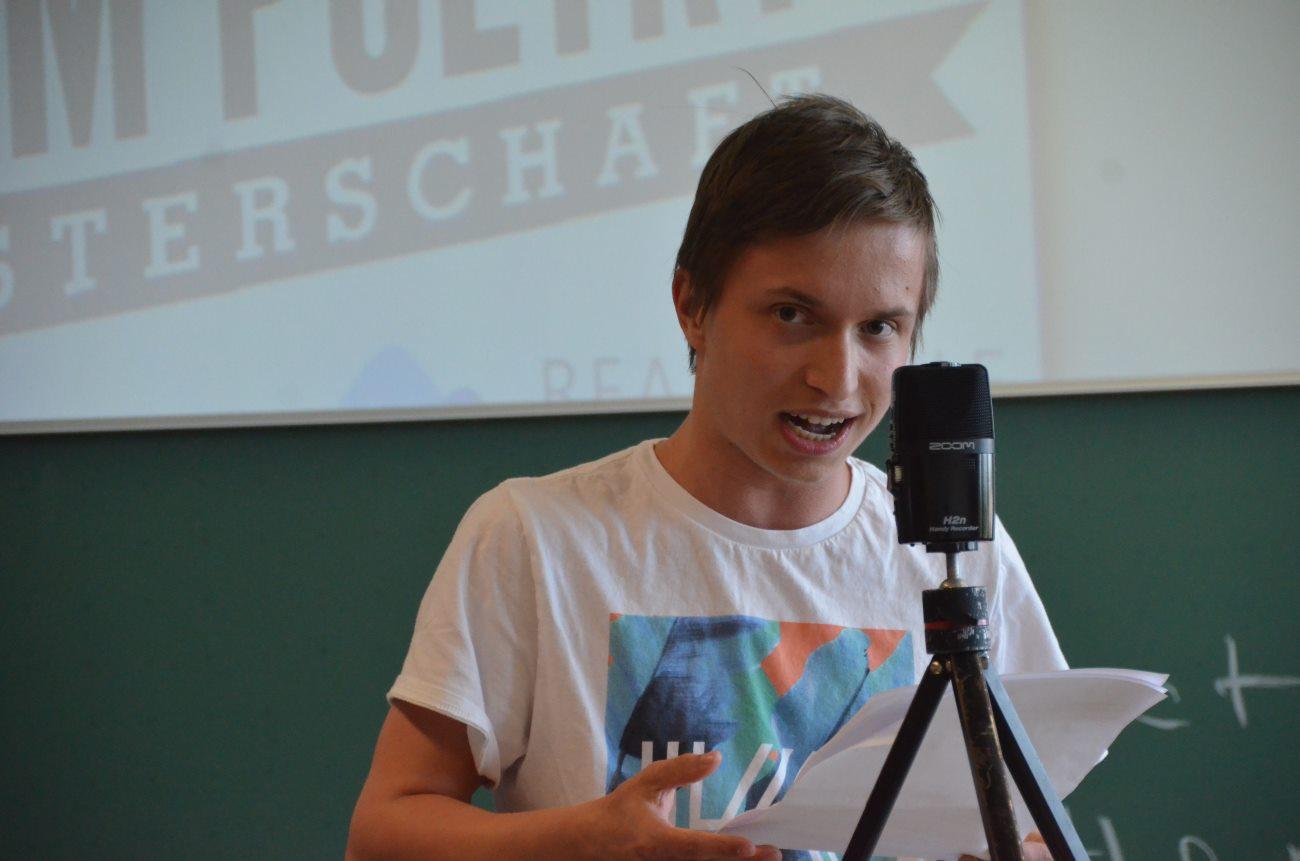 Poetry? Slam! Bericht vom ersten Klassenslam in der Realschule im Blauen Land