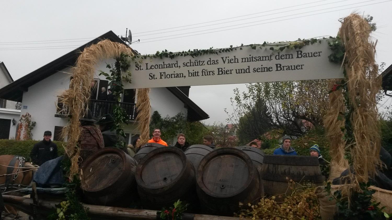 Für den Schutzpatron der Pferde: Leonhardi-Ritt 2017 durch Murnau