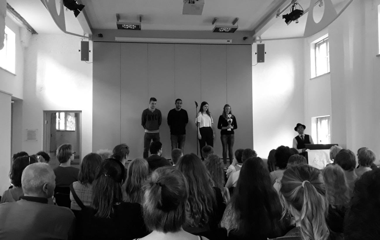 Wenig Slammer, wenig Zuschauer beim Poetry Slam im Schlossmuseum – enttäuschender Start der Kulturwoche in Murnau