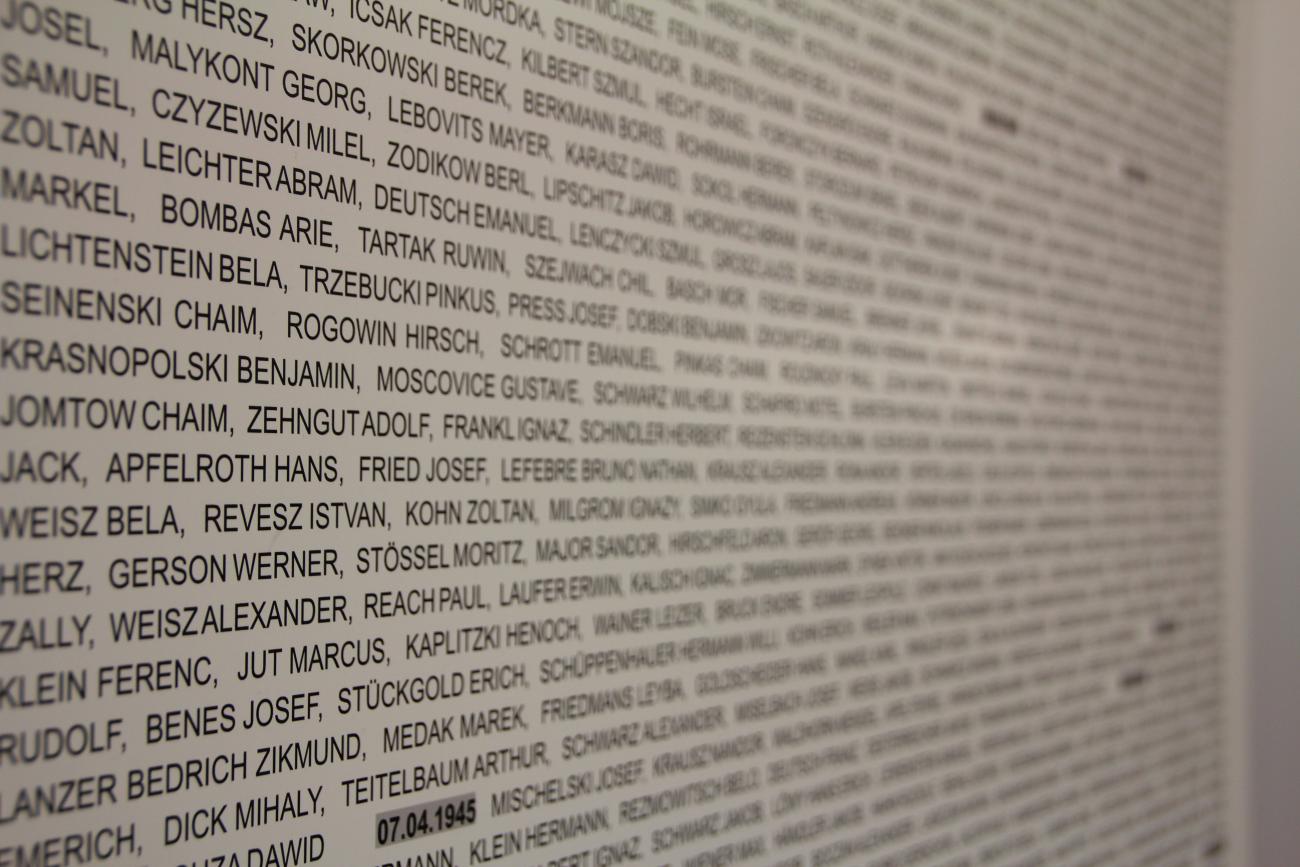 Tod durch Arbeit war das Ziel – die 9. Klassen zu Gast im KZ-Erinnerungsort Weingut II