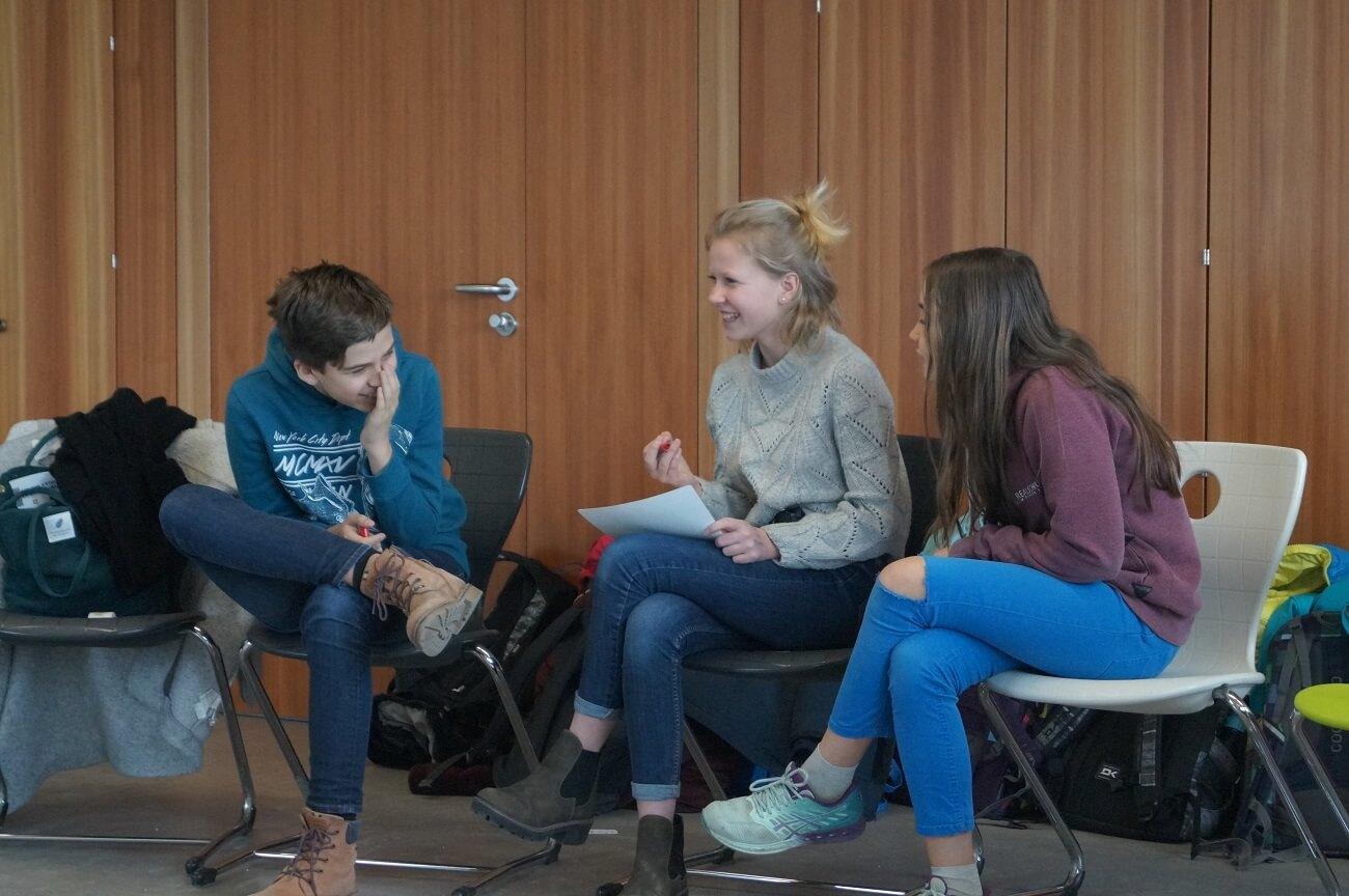 Blau, weiß und rot…die 7. Klassen entdecken mit FRANCE MOBIL die frankophone Kultur!