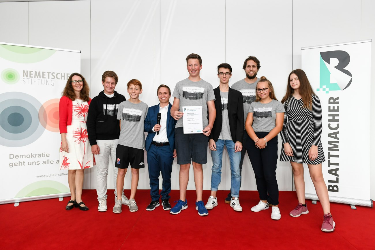 """Auszeichnung für zwei Jahre harte Arbeit – BlogimBlauenLand gewinnt Sonderpreis beim """"Blattmacher""""-Wettbewerb!"""