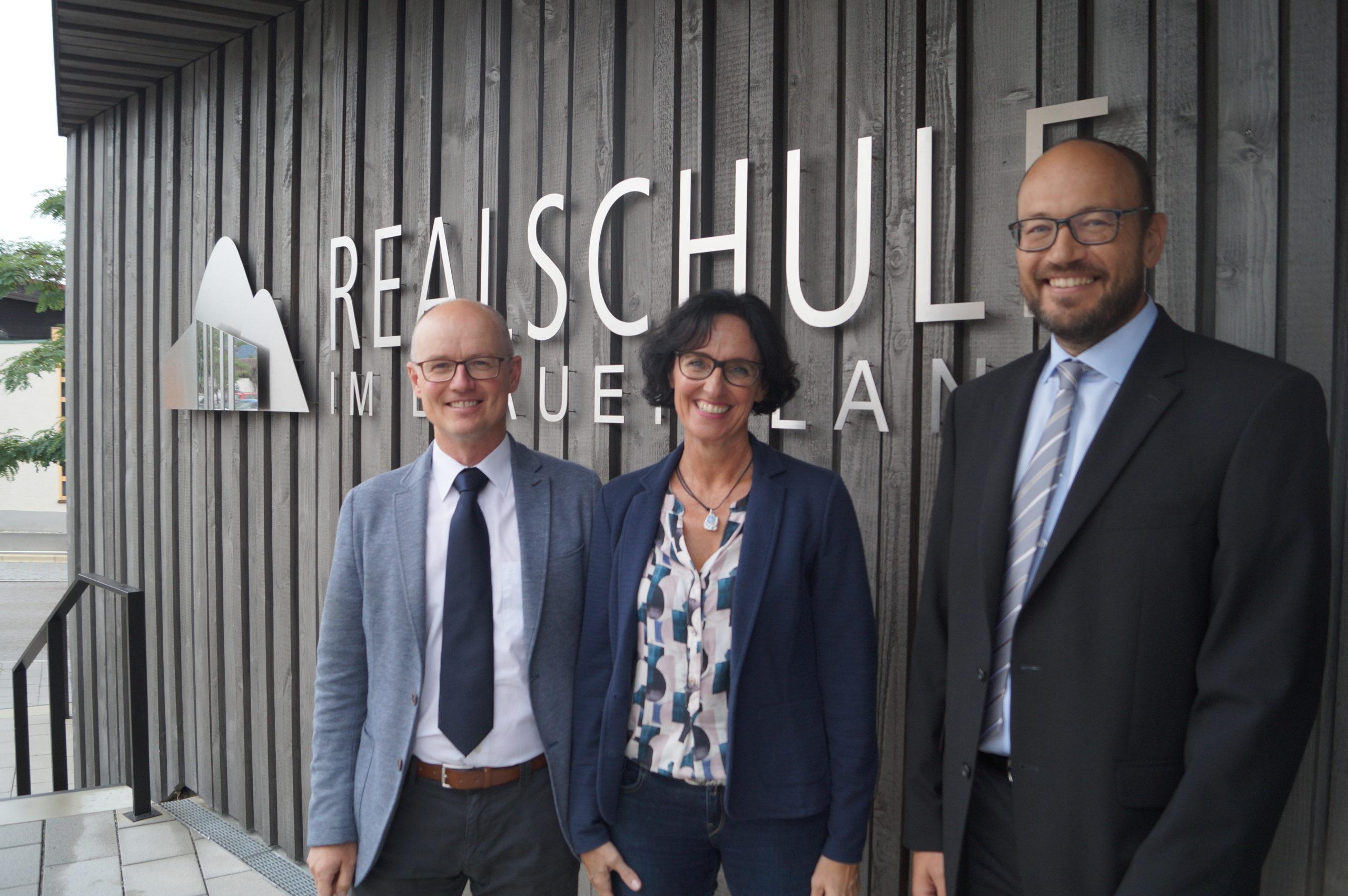 """""""Ich möchte die Schule erst einmal kennenlernen"""" – Interview mit dem neuen Konrektor Herr Schächtl"""