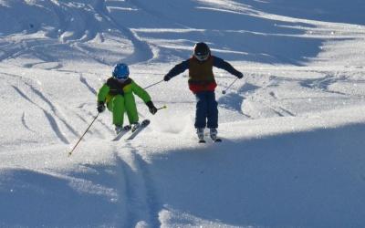 """Skifahren ist des """"Leiwandste"""" – ein Plädoyer für den (Ski-)Sport"""